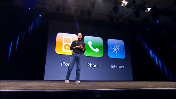 Steve-Jobs-Presenting
